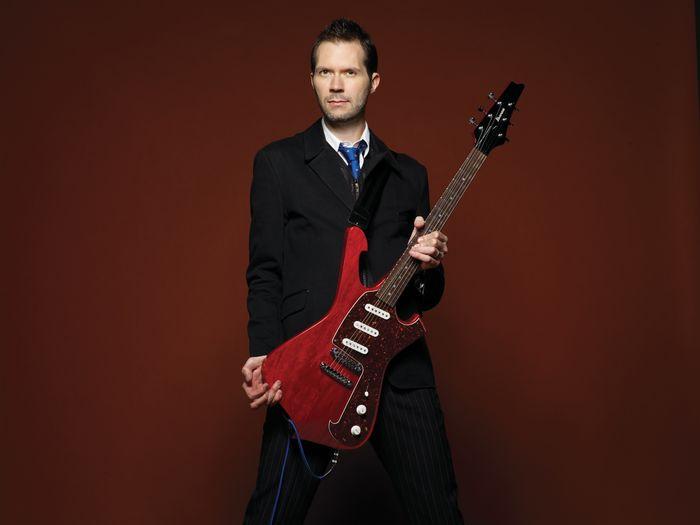 Virtuoso Guitarist Paul Gilbert and his Amazing Career!
