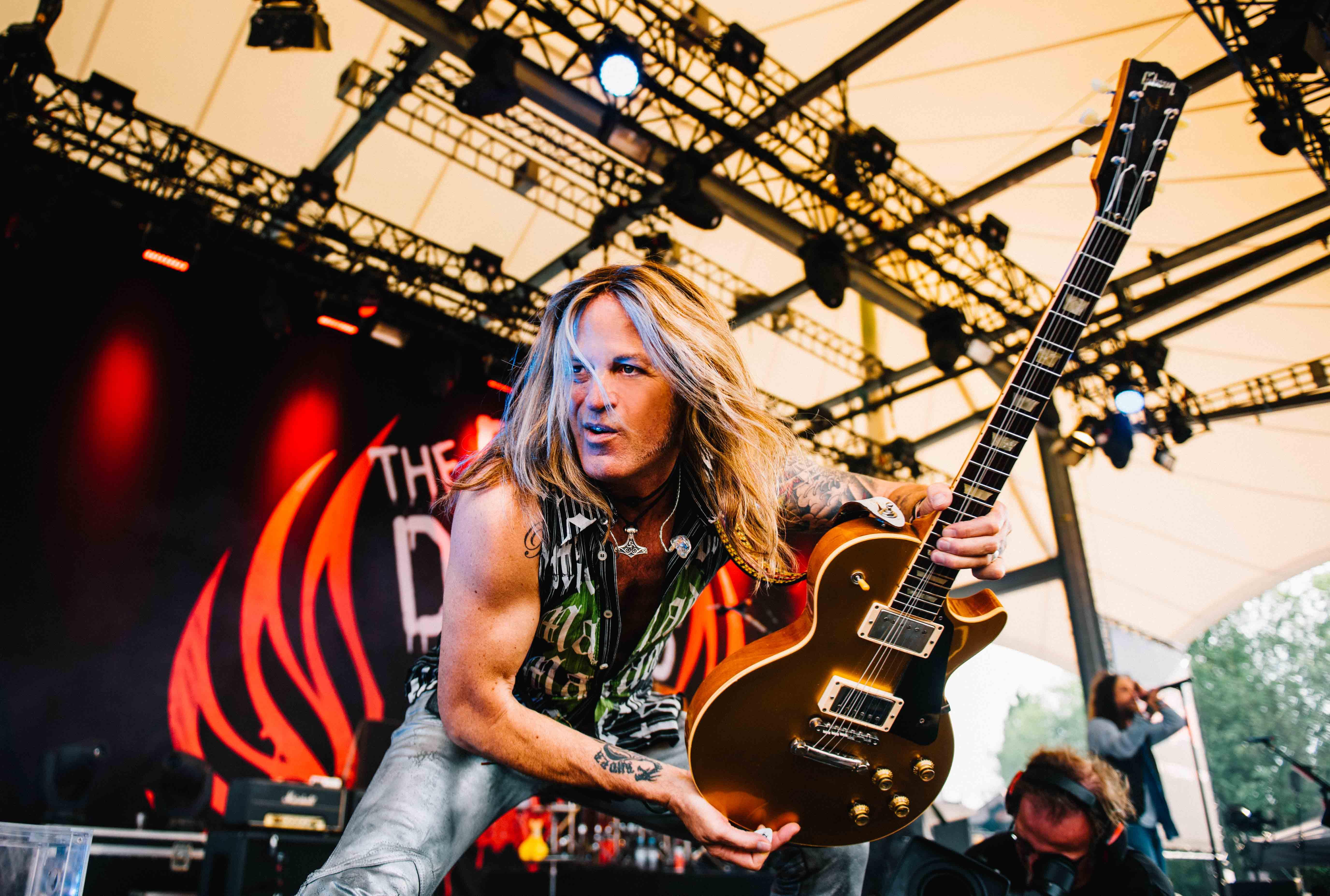 The Dead Daisies Doug Aldrich Discusses New Album & New Suhr Guitar