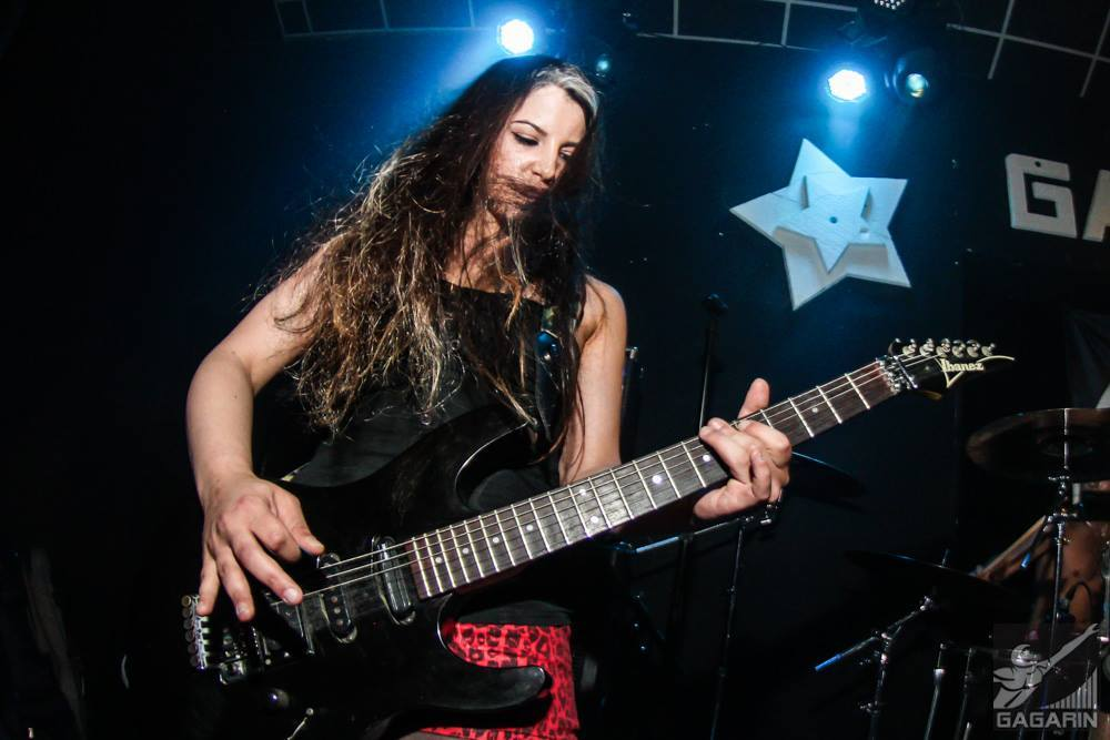 """Guitarist Shani Kimelman Releases Her First EP """"Escape Volocity"""""""