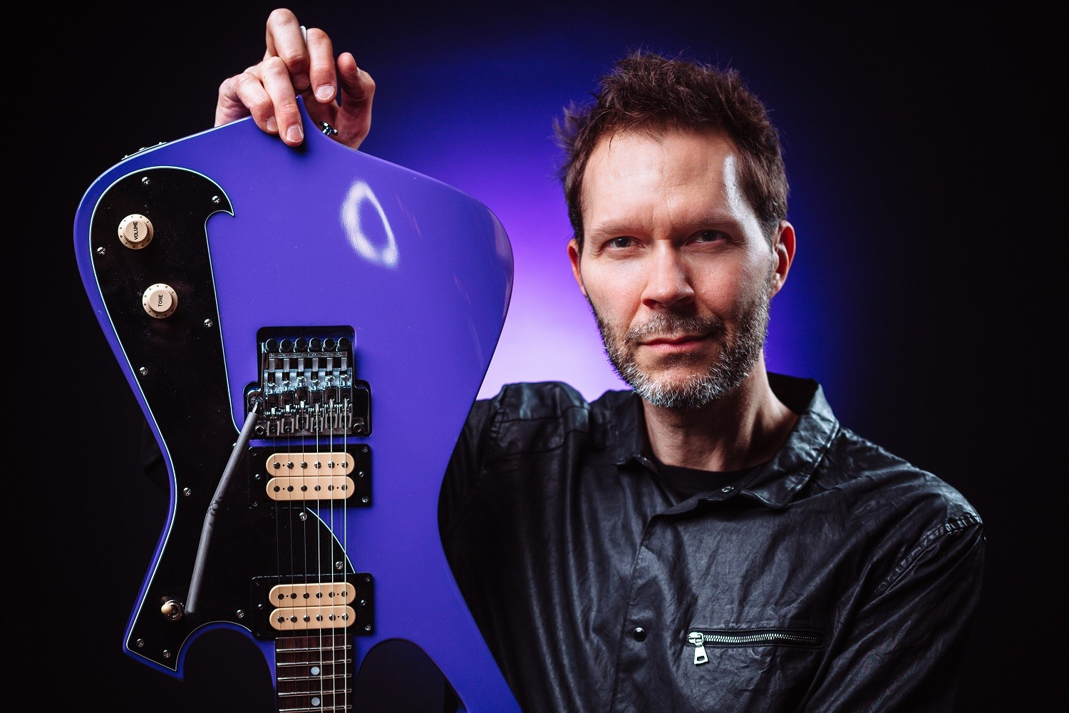 "Paul Gilbert To Release 'Behold Electric Guitar"" on May 17"