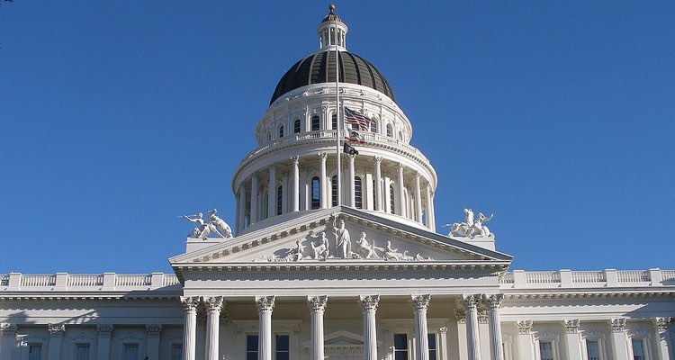 RIAA, A2IM, Music Artists' Coalition Vehemently Oppose California's AB5 Legislation