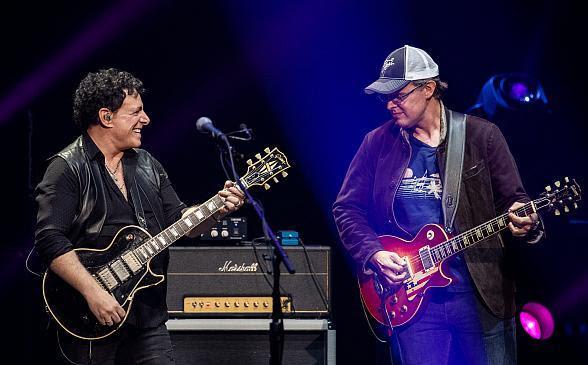 Neal Schon & Joe Bonamassa Join Forces In Las Vegas