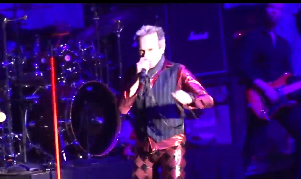 See Fan-Filmed Video Of David Lee Roth On Opening Night Of The KISS Tour